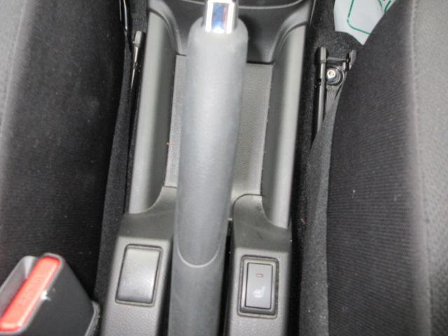 運転席シートヒーター付き!冬場の空間に温もりを!約30秒で暖か座面♪