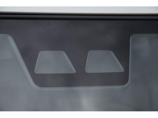X SAIII スマートアシストIII/届出済未使用車/ヘッドライトレベライザー/オートハイビーム/リアプライバシーガラス/電格ミラー/チルトステアリング/プッシュスタート/スマートキー/ベンチシート(4枚目)