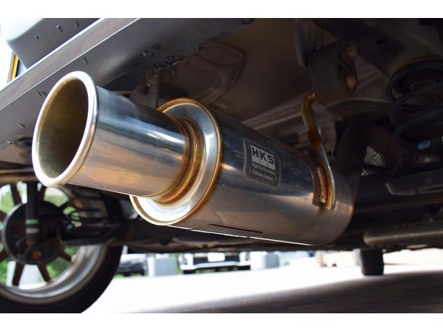 ベースグレード 5速MT車 HKSマフラー HKSエアクリーナー ブースト計 レカロシート カロッツェリアオーディオ HIDヘッドライト オートライト 純正15インチアルミ プッシュスタート スマートキー(4枚目)