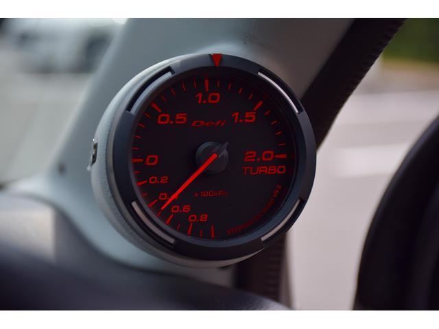 ベースグレード 5速MT車 HKSマフラー HKSエアクリーナー ブースト計 レカロシート カロッツェリアオーディオ HIDヘッドライト オートライト 純正15インチアルミ プッシュスタート スマートキー(6枚目)