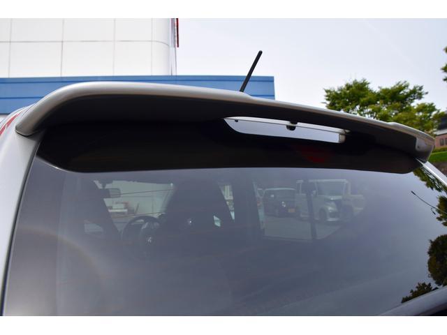 ベースグレード 5速MT車 HKSマフラー HKSエアクリーナー ブースト計 レカロシート カロッツェリアオーディオ HIDヘッドライト オートライト 純正15インチアルミ プッシュスタート スマートキー(14枚目)