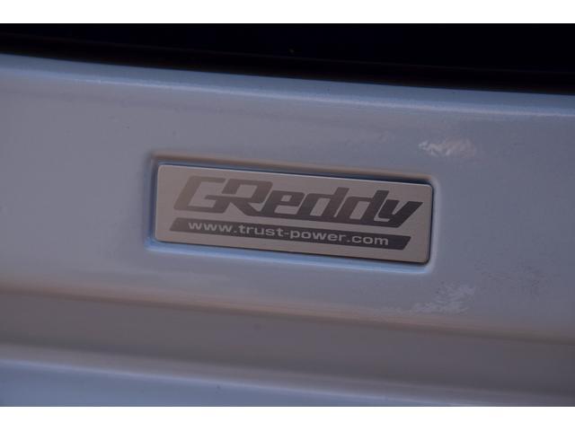 ベースグレード カロッツェリアオーディオ HIDヘッドライト フォグライト オートライト パドルシフト ステリモ クルコン 革巻きステアリング 電格ミラー プッシュスタート ドラレコ 社外17インチアルミ ETC(9枚目)