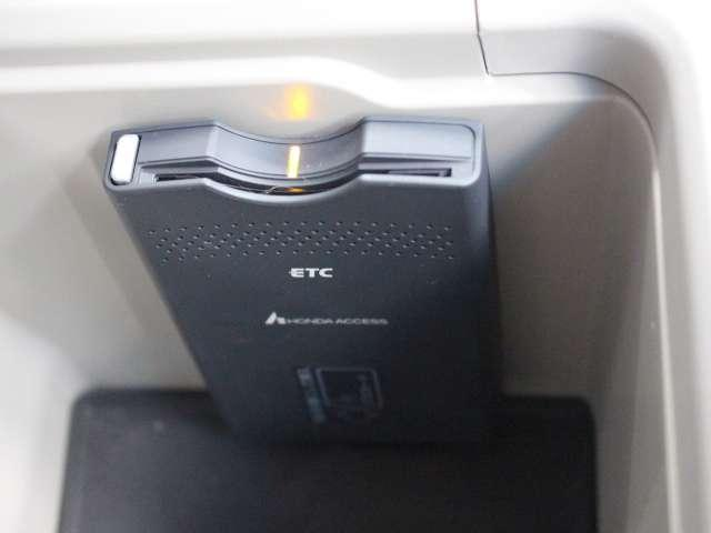 ベースグレード HDDナビ ETC リヤカメラ(15枚目)