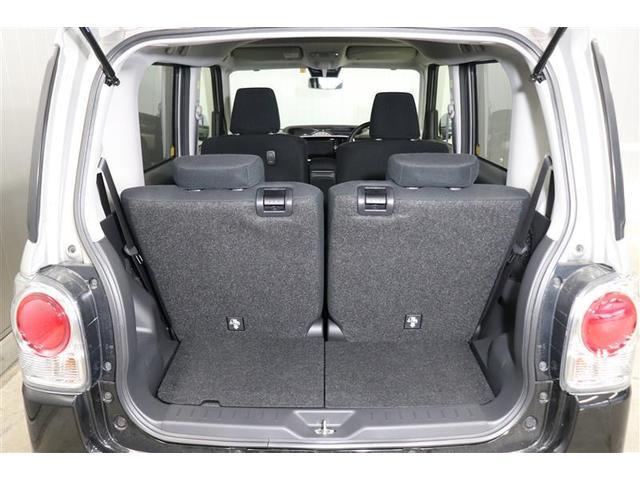 後席シートは前後スライドが可能で載せる荷物に合わせてシートをスライドし、荷室の調節が出来ます。