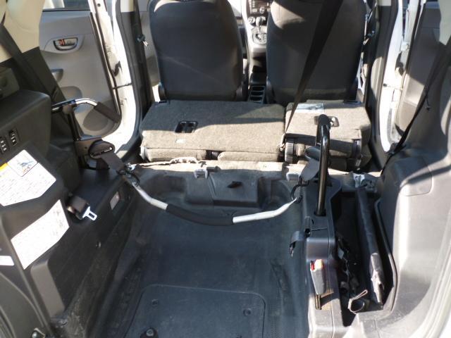 X 車いす仕様 スロープタイプ タイプ1 助手席側リアシート(11枚目)