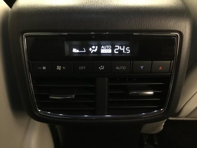 XD Lパッケージ ワンオーナー 禁煙 白レザーシート 360°ビューモニター ナビSD ETC BOSEサウンドシステム(18枚目)