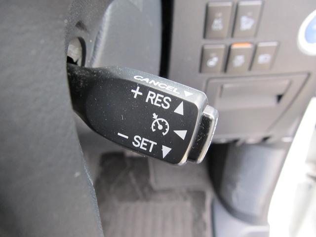 高速道路などで役立つクルーズコントロール搭載!設定した一定の速度で走行してくれるので長距離のドライブの際に便利です!
