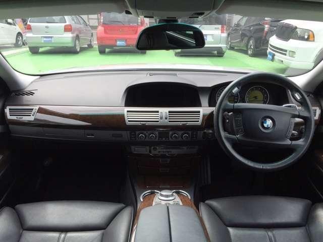 BMW BMW 740i 後期 コンフォートパッケージ 革 サンルーフ