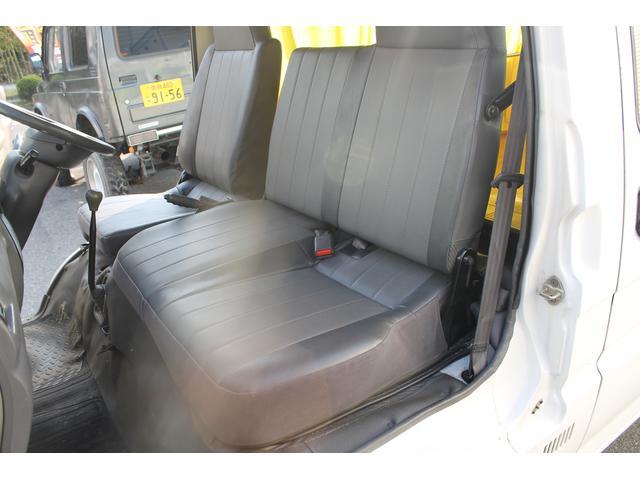 三菱 デリカカーゴ ロングフラットフロアCDターボ 車中泊仕様 リアフローリング