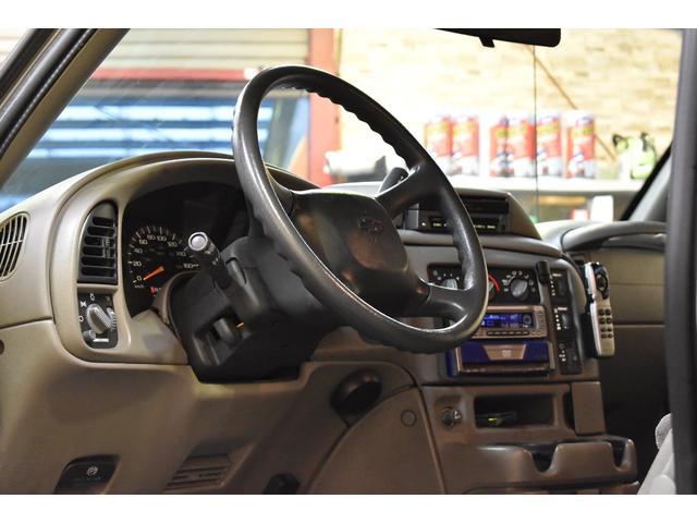 LS 正規ディーラー車 左ハンドル 8人乗り ユーザー買取車(4枚目)