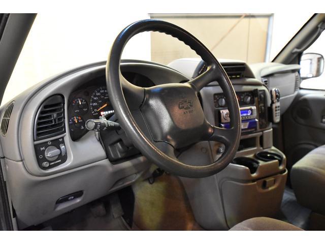 LS 正規ディーラー車 左ハンドル 8人乗り ユーザー買取車(9枚目)