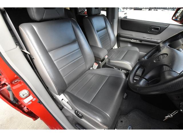 Xt 4WD ワンオーナー キーレス HID HDDナビ フルセグTV Bluetoothオーディオ(13枚目)