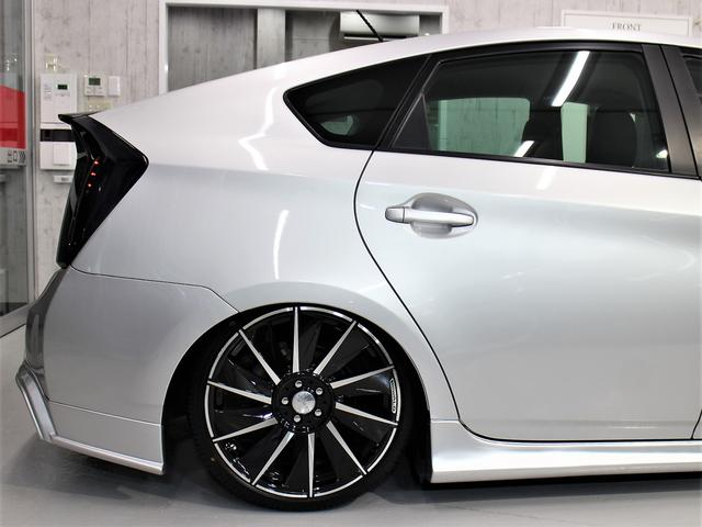 トヨタ プリウス WALDコンプリートフルカスタム 8連オリジナルイカリング