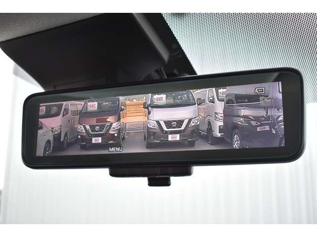 インテリジェントルームミラーです!後ろに荷物や人を乗せていても視界を確保することのできる便利な機能です!