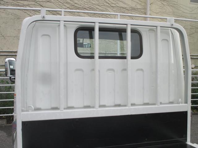 三菱ふそう キャンター 2トン積み4ナンバー 全低床平ボディ MT車