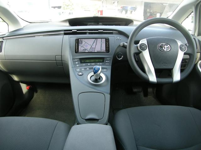 当店は日本自動車査定協会査定士、AIS3級資格保持者が多数在籍しております。下取車につきましてもきちんと評価し、少しでも高い査定価格が付けられるようがんばります。