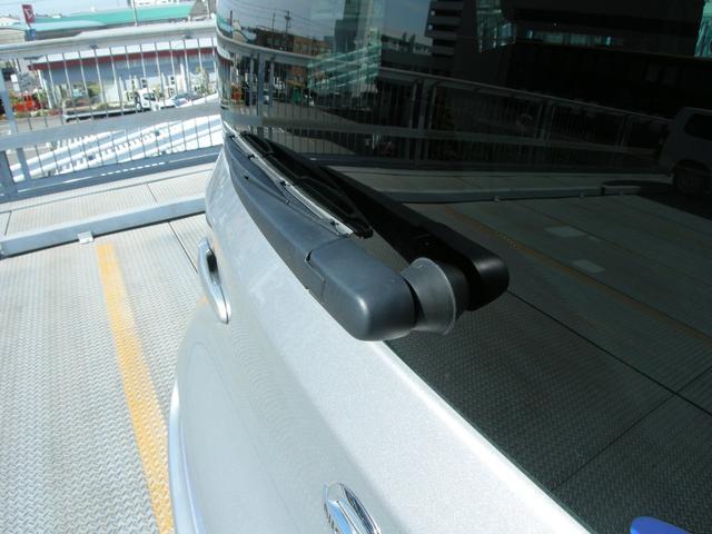 15X Vセレクション ナビ Bカメラ TV ETC HIDライト インテリキー 革巻きステアリングホイール ワンオーナー車(32枚目)