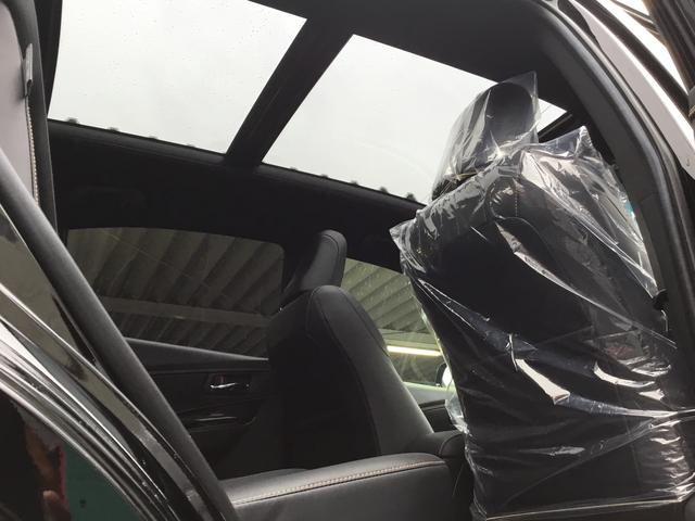 トヨタ ハリアー プレミアム  パワーバックドア 流れるウインカー