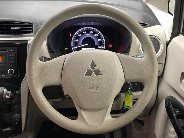M e-アシスト 軽自動車 フォグランプ プライバシーガラス 純正CD 運転席シートヒーター タッチパネルオートエアコン FCMブレーキアシスト 誤発進抑制機能(16枚目)