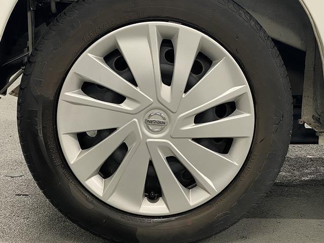 J 純正オーディオ CD ETC  キーレス   電動格納式ミラー シートリフター サイドバイザー フロアマット 純正ホイルキャップ  ベンチシート Wエアバッグ ABS 軽自動車(10枚目)
