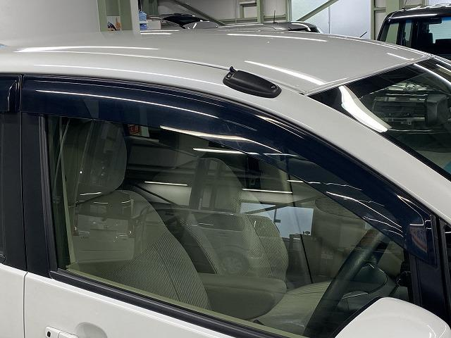X 純正オーディオ CD キーレス オートエアコン 電動格納式ミラー サイドバイザー フロアマット 純正ホイルキャップ  ベンチシート アイドリングストップ Wエアバッグ ABS 軽自動車(33枚目)