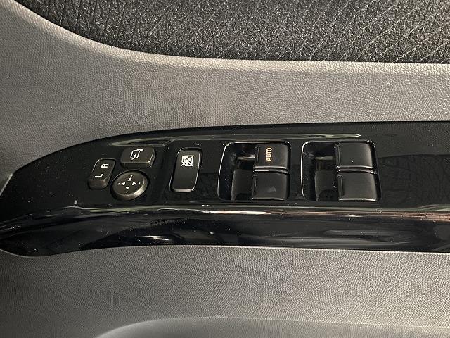 XS 社外ナビ ETC 片側電動スライドドア 純正アルミホイール スマートキー プッシュスタート フォグランプ オートエアコン  電動格納式ミラー フロアマット ベンチシート Wエアバッグ ABS 軽自動車(15枚目)