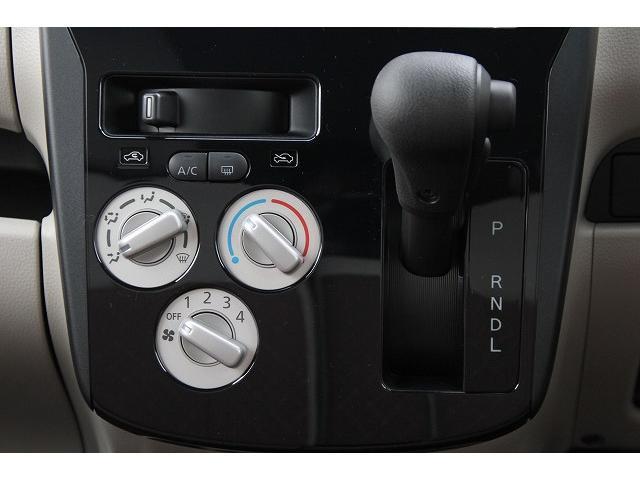 E  軽自動車 届出済未使用車 キーレスキー シートヒーター(14枚目)