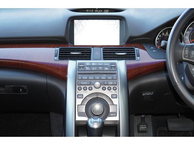 ベースグレード BOSEサウンド/HDDナビ/地デジ/バックカメラ/フロントカメラ/クルーズコントロール/ETC/スマートキー/HIDライト/パワーシート/純正アルミホイール/LEDデイライト/リアスポイラー(10枚目)