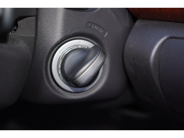 ベースグレード BOSEサウンド/HDDナビ/地デジ/バックカメラ/フロントカメラ/クルーズコントロール/ETC/スマートキー/HIDライト/パワーシート/純正アルミホイール/LEDデイライト/リアスポイラー(31枚目)