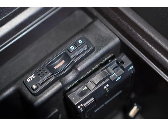 ベースグレード レッドステッチ黒革シート/HDDナビ/フルセグ/バックカメラ/work20インチアルミホイール/TEIN車高調/ETC/ドライブレコーダー/スマートキー/専用エクステリア/木目調コンビハンドル(29枚目)