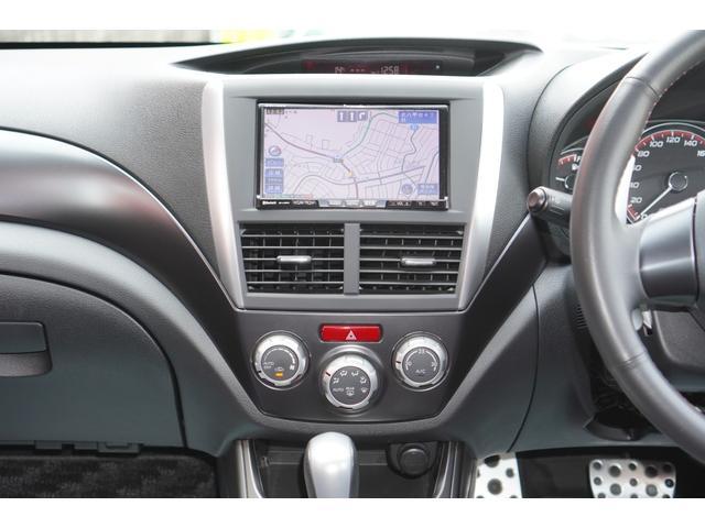 2.0i-S リミテッド 特別仕様車/4WD/HDDナビ/フルセグ/バックカメラ/パドルシフト/純正エアロ/HIDライト/純正アルミホイール/ETC/ハーフレザーシート/パワーシート(10枚目)