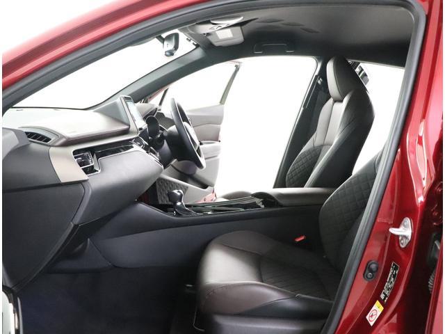 「トヨタ」「C-HR」「SUV・クロカン」「大阪府」の中古車16
