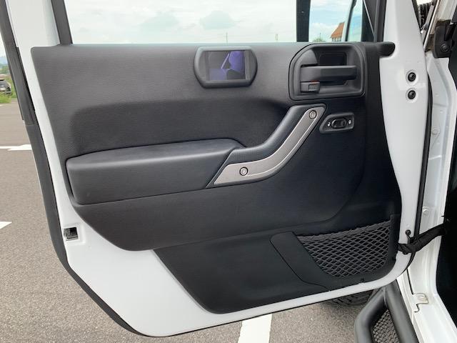 「その他」「クライスラージープ ラングラーアンリミテッド」「SUV・クロカン」「滋賀県」の中古車33