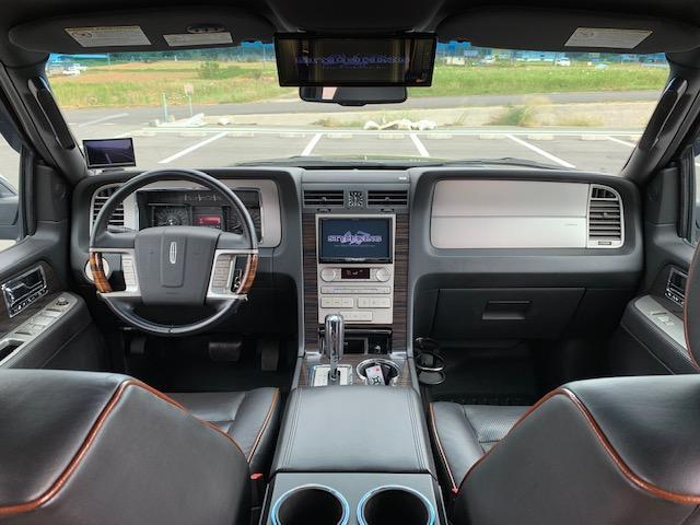 「リンカーン」「リンカーン ナビゲーター」「SUV・クロカン」「滋賀県」の中古車17