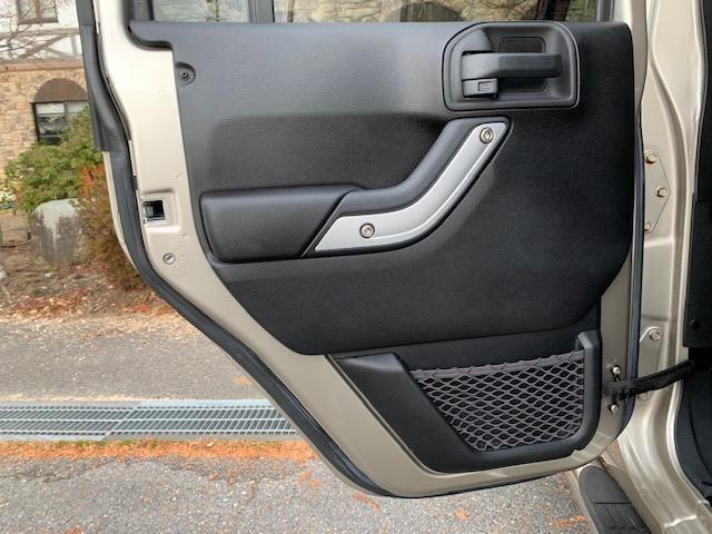 「その他」「ジープラングラーアンリミテッド」「SUV・クロカン」「滋賀県」の中古車26