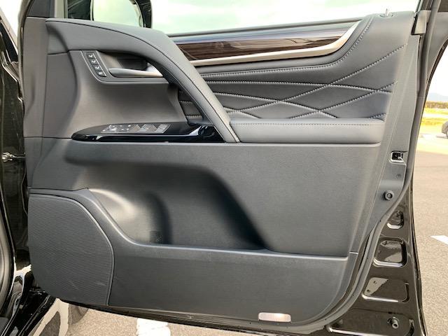 「レクサス」「LX」「SUV・クロカン」「滋賀県」の中古車32