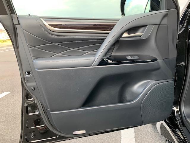 「レクサス」「LX」「SUV・クロカン」「滋賀県」の中古車33