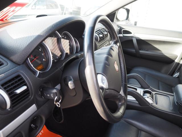 Sティプトロニック 黒革 サンルーフ HDDナビ 禁煙車バックモニタ  シートヒーター  サイドカメラ