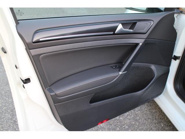 フォルクスワーゲン VW ゴルフ TSIハイラインブルーモーションテクノロジー 禁煙車 黒革