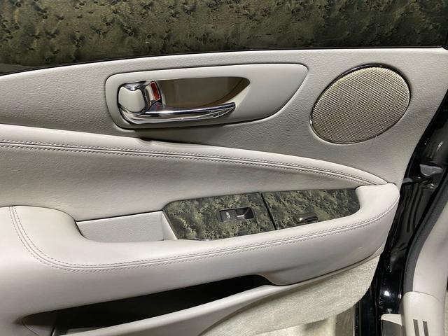 「レクサス」「LS」「セダン」「大阪府」の中古車36