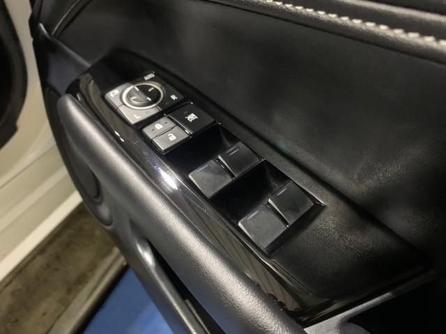 450h/VerL/現行Fスポーツスピンドグリル仕様/三眼LED/BLKレザー/パワーシート/シートヒーター/シートエアコン/ハンドルヒーター/ダブルエアコン/記録簿/純正ナビ/フルセグ(9枚目)