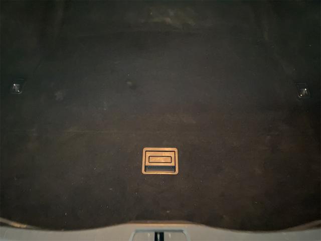 460/VerC/Ipkg/サンルーフ/コーナーセンサー/ホワイトレザー/オットマン/パワーシート/シートヒーター/シートエアコン/ハンドルヒーター/純正ナビ/フルセグ/バックカメラ/電動格納ミラー(53枚目)