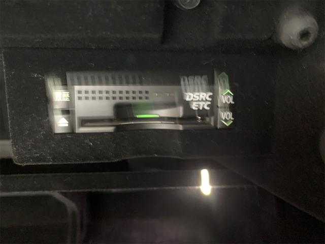 460/VerC/コーナーセンサー/BLKレザー/パワーシート/シートヒーター/シートエアコン/純正ナビ/フルセグ/バックカメラ/ハンドルヒーター/クルーズコントロール/電動格納ミラー/ETC(64枚目)