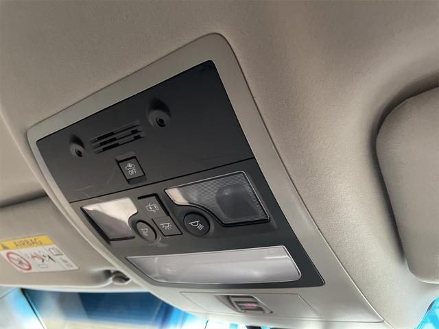 450h/VerL/三眼LED/コーナーセンサー/BLKレザー/ダブルエアコン/パワーシート/シートヒーター/シートエアコン/BSM/電動格納ミラー/アダプティブクルーズコントロール/ブルーレイ再生(34枚目)