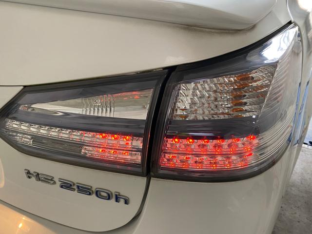 HS250h バージョンI 250h/VerI/LEDヘッドライト/バックカメラ/ETC/パワーシート/純正ナビ/フルセグ/純正アルミ/シートヒーター/シートエアコン/ヘッドライトウォッシャー/レーダークルーズコントロール(16枚目)