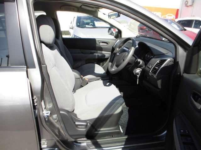 「シート高調整&チルトステアリング」で小柄な方も運転しやすいポジションに調整できます。