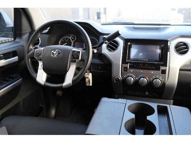 米国トヨタ タンドラ 新並クルーマックスSR5リフトアップLEERトノカバー