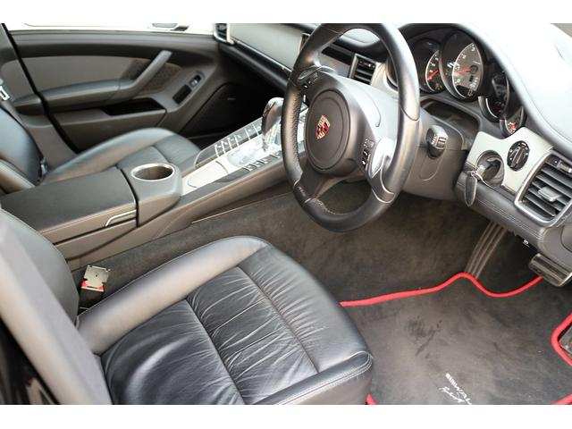 ポルシェ ポルシェ パナメーラ ディーラー車ブラックバイソンマットラッピング22インチアルミ