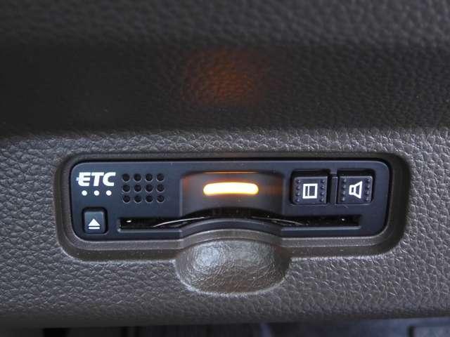 Lホンダセンシング 当社元試乗車 ナビ 衝突軽減ブレーキ リアカメラ ETC 運転席シートヒーター サイド&カーテンエアバッグ 急速充電USB2個 プラズマクラスター機能付オートエアコン ブルートゥース機能 CD録音機能(16枚目)