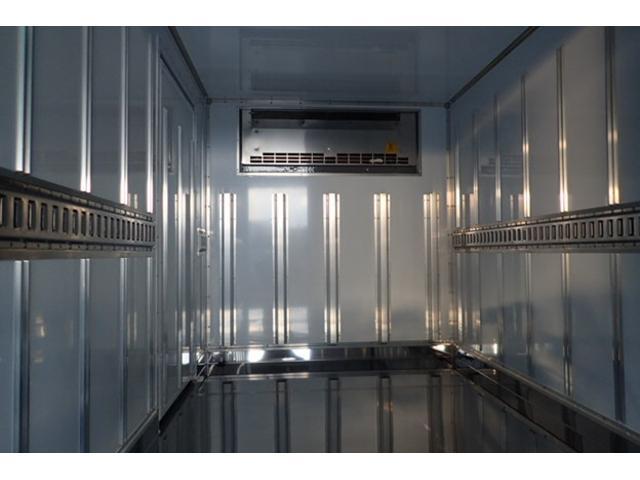 標準10尺冷蔵冷凍車MT車低温マイナス30度設定(13枚目)